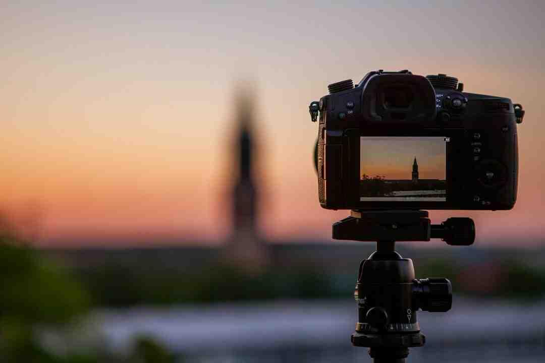How to Focus a Camera